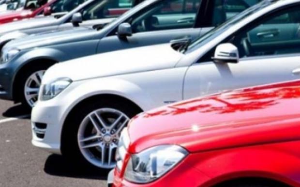 Nazirliklərin avtomobilləri satışa çıxarılır – 1000 manata maşın
