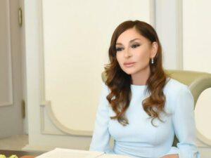 Mehriban Əliyeva Azərbaycan qadınlarına SƏSLƏNDİ