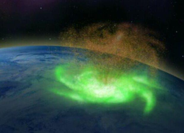 Yerin üzərində ilk dəfə kosmik qasırğa oldu – FOTO