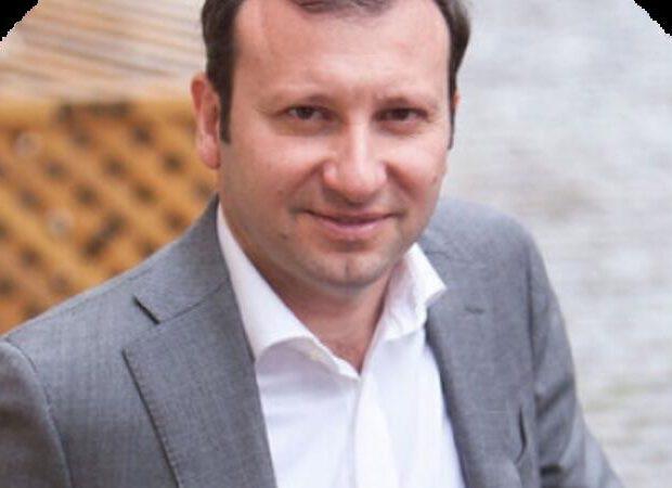 Prezidentin yüksək vəzifəyə gətirdiyi Emin Məmmədov kimin oğludur? – DOSYE