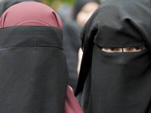 İctimai yerlərdə niqabdan istifadə qadağan olundu