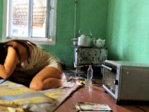 Azərbaycanda illərdir zorlanan 14 yaşlı qızın yaşadığı ev – FOTO