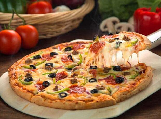 """Ermənilərdən """"halal"""" oğurluq: Lahmacun şəklində İtaliya yeməyi """"erməni pizzası"""" – FOTO"""