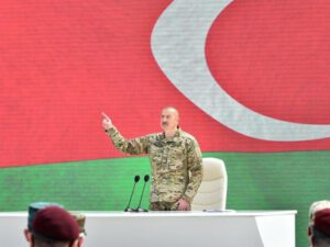 """Prezident: """"Təklif etdim ki, məscidin forması 8 rəqəmini əks etdirməlidir"""""""