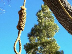 Bakının mərkəzindəki parkda DƏHŞƏT YAŞANDI – Özünü asaraq intihar etdi