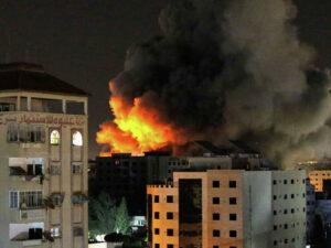 İsraildə raket zərbələrindən 500-dən çox insan yaralanıb