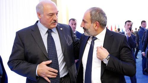 Paşinyanla Lukaşenko arasında telefon danışığı oldu