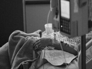 """Xalq artisti kliniki ölüm keçirdi: """"Ayaqlarım tutuldu…"""" – VİDEO"""