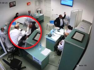 """Azərbaycanda saxta əlilliyi ifşa olunan """"müharibə əlili"""" həkimi döydü – ANBAAN VİDEO"""