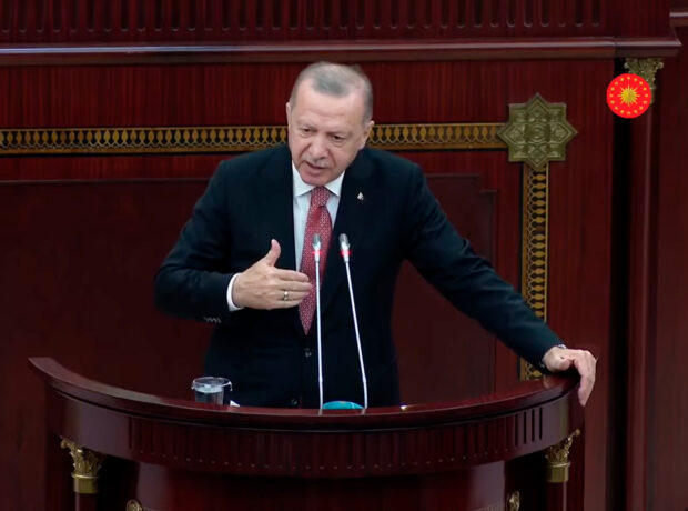 Türkiyə Prezidenti məcburi köçkünlərə çağırış edib