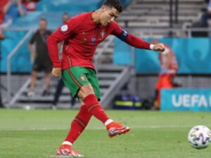 Kriştiano Ronaldo dünya rekordçusu olub