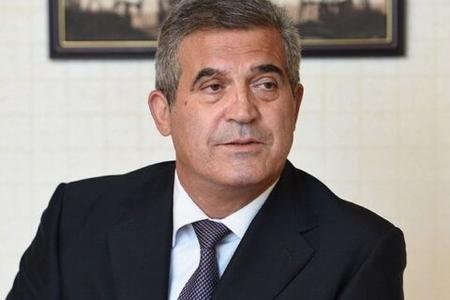 Azərbaycanda sürücü icra başçısının mülklərini satıb qaçdı – İDDİA