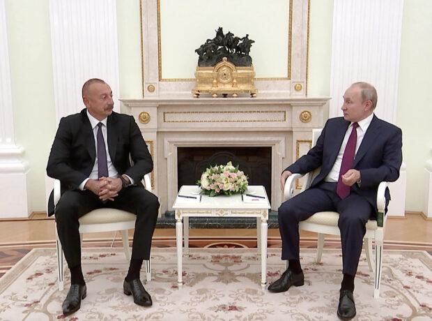 İlham Əliyev və Vladimir Putin Moskvadan İrəvana mesaj verdi: Prioritet Zəngəzur dəhlizidir!
