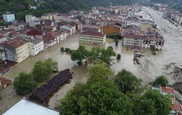 Türkiyədə sel nəticəsində 47 nəfər itkin düşdü