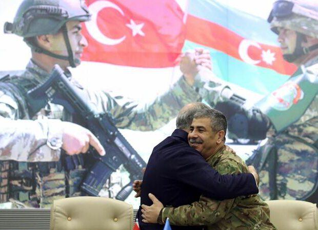 Zakir Həsənov Akar və Yaşar Güləri təbrik etdi