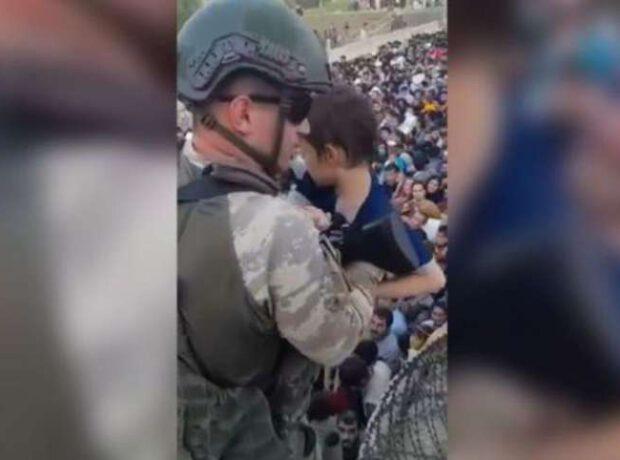 Azərbaycanlı sülhməramlılar azyaşlı əfqanlara kömək etdi – VİDEO