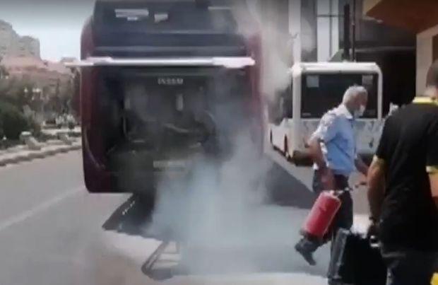 """""""BakuBus""""un avtobusunda yanğın – Sərnişinlər təxliyə edildi"""