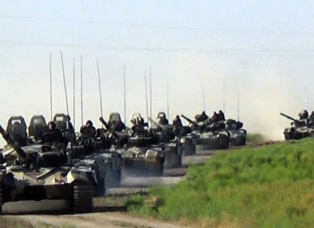 Tank bölmələrimiz HƏRƏKƏTƏ KEÇDİ – İntensiv döyüş hazırlığı başladı (VİDEO)