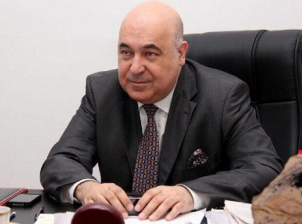 Çingiz Abdullayev koronavirusa yoluxdu, xəstəxanaya yerləşdirildi