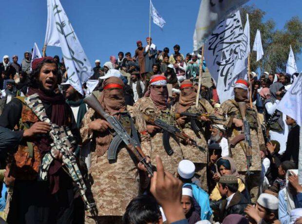 """Əfsanəvi komandirin oğlu """"Taliban""""ı məğlub etdi: Pəncşir uğrunda İLK DÖYÜŞ"""