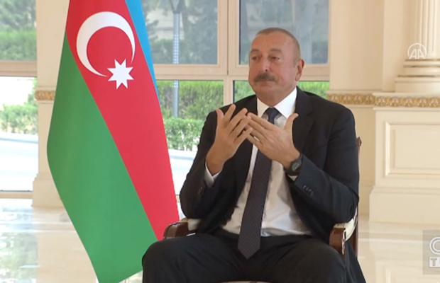 İlham Əliyev məcburi köçkünlərdən danışarkən kövrəldi – VİDEO