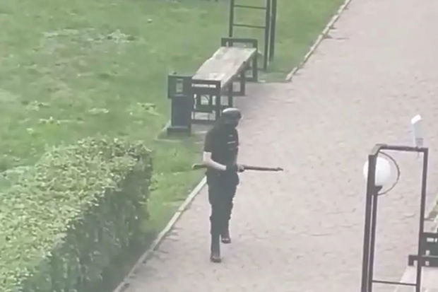 Rusiyada universitetə silahlı basqın edən şəxs öldürüldü