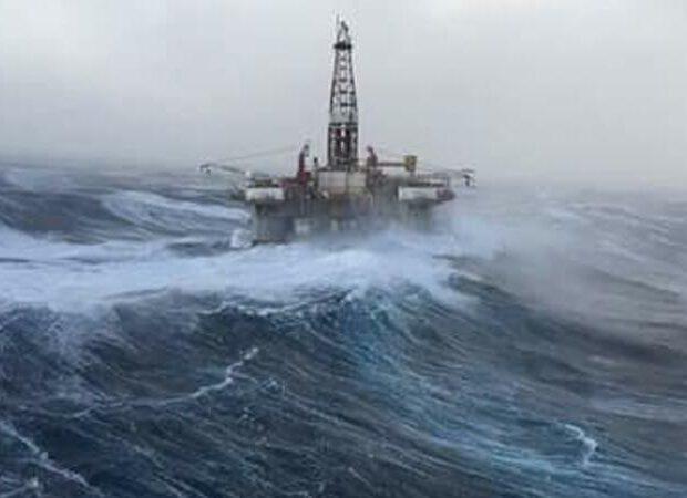Neft Daşlarında dalğanın hündürlüyü 3,2 metrə çatdı
