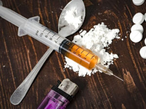 Bakıda ata qızının damarına heroin vurub öldürdü – Dəhşətli qətlin təfərrüatları