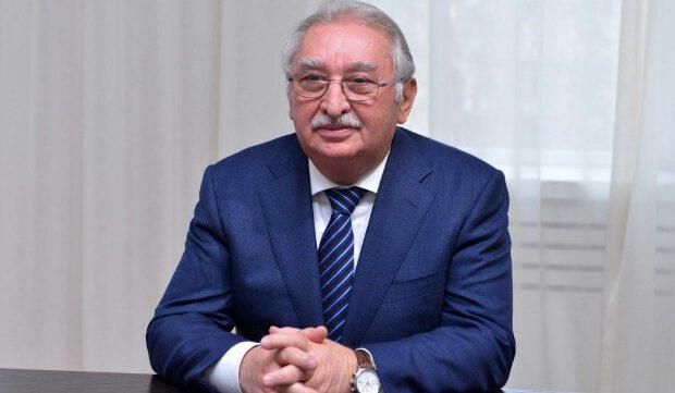 Rektorun oğlu YAP-ın rayon təşkilatına sədr SEÇİLDİ – FOTO
