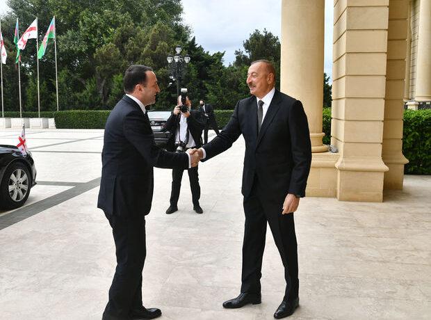 İlham Əliyev Gürcüstanın Baş naziri ilə görüşdü – YENİLƏNİB + FOTO
