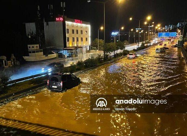 Türkiyədə TƏBİİ FƏLAKƏT: yollar və tunellər su altında qaldı – FOTO