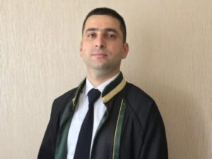 Azərbaycanda vəkilin avtomobilini YANDIRDILAR – FOTOLAR