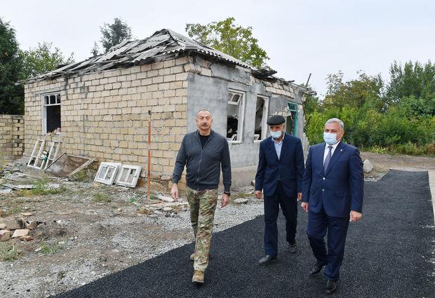 """Prezident """"Smerç"""" düşən nöqtədə: """"Əvvəlki ev budur?"""" – FOTO"""