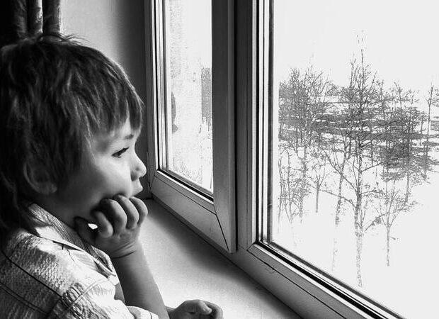 Azərbaycanda 4 qadın uşaqlarını atıb evi tərk etdi