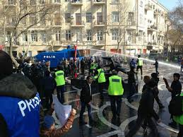 Azərbaycanda Jurnalist təşkilatları polisdən özbaşınalığa son qoymağı tələb edir