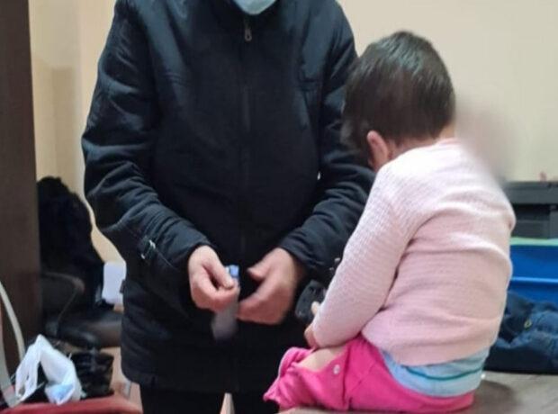 Sumqayıtda 2 yaşlı uşağı qonşuya verən valideynlər tapıldı, görün nə dedilər