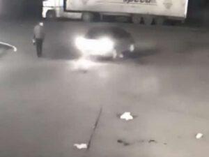 ŞOK HADİSƏ: Prokuroru avtomobilə bağlayıb sürüdü – VİDEO