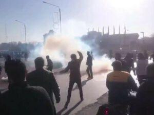İranda iki qardaşın edamı toqquşmalara səbəb oldu: Çox sayda yaralı və həbs olunan var – VİDEO